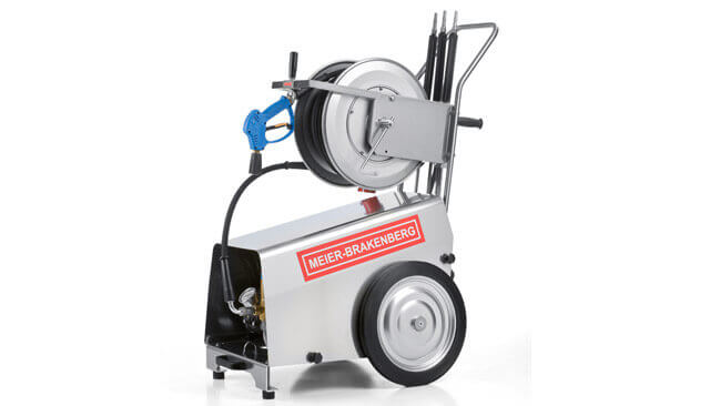The professional high-pressure cleaners MBH1800 and MBH2400 provide 30 l or 40 l water output per minute The all-rounders for versatile use are suitable for pig farming such as fatteners or sow management but also machine cleaning is very easy with them Shown in the picture incl the optional stainless steel hose drum