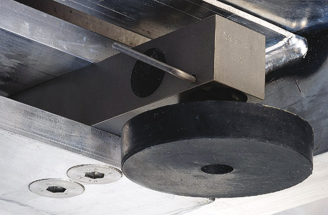 The robust stainless steel weighing beam is absolutely waterproof and dust-tight. That ensures long service life and highest functional reliability.