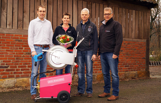 The winners of the lottery from stand Topigsnorsvin at EuroTier 2016 can be glad to receive now their jackpot: the new pressure cleaner MBH1260 - full outfitted. The slight device with high water-flow will be in use in the sow stable by the lucky winner.